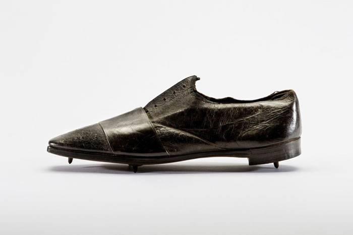 跑步装备进化的历史 从草鞋到专业跑鞋展现智慧