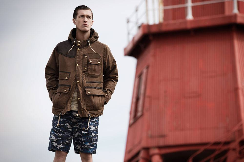 Mens-Heritage-White-Mountaineering-Waxed-Mountain-Parka-_-Wave-Tee-_-Wave-Short-_2_