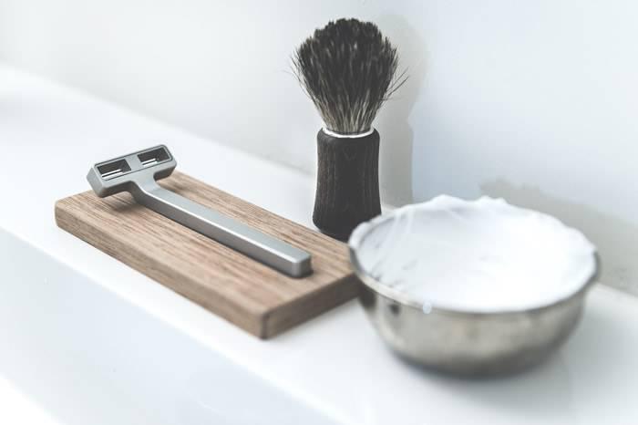 RZR Shaving:钛合金极简手动剃须刀