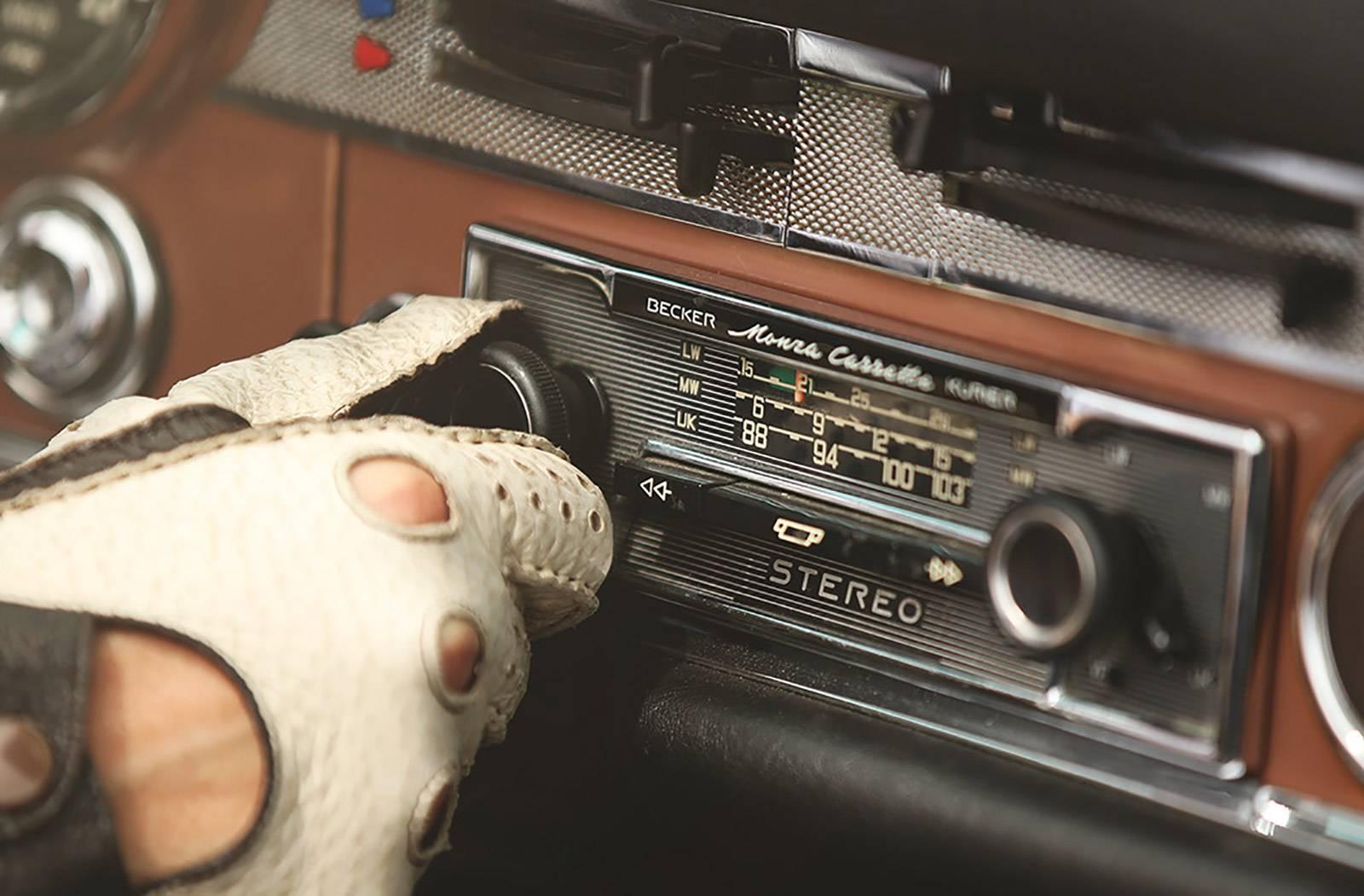 mercedes-benz-classic-car-travel-gessato-6