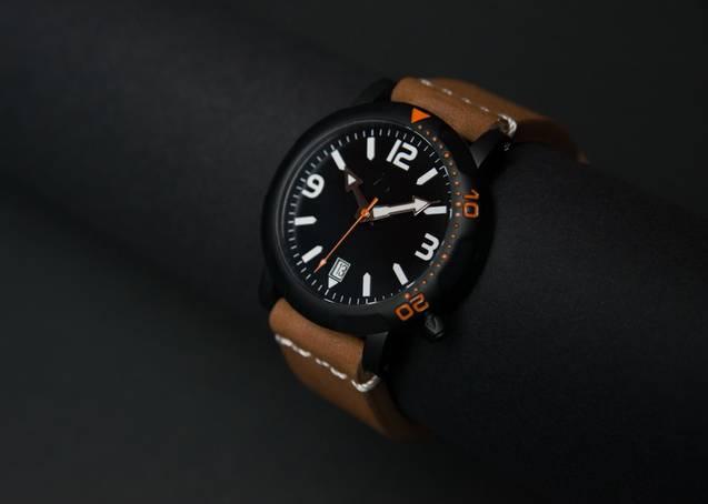 实用 有型 且买得起的全钛潜水手表