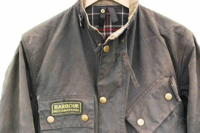 视频:如何给你的Barbour外套涂蜡?