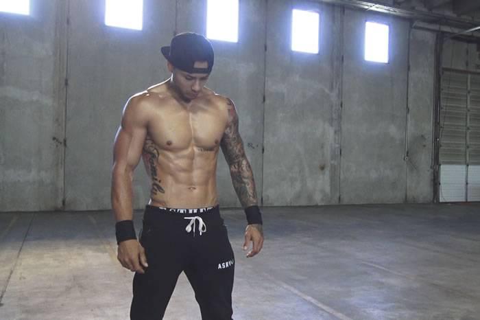 逆天老爸Michael最新混合肌肉训练 他有每个男人都向往的身材