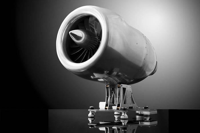 职人手工打造喷气发动咖啡机 带你喝出未来机械感