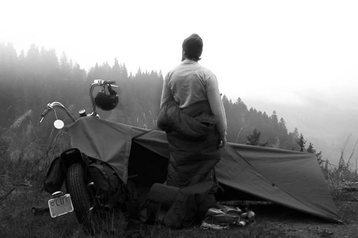 这是一款适合机车爱好者的神级帐篷 一股意想不到的露营风