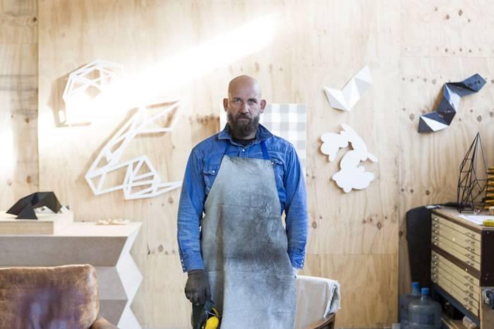 抽象几何雕塑艺术家Dion Horstmans:只有死去才会停下创作
