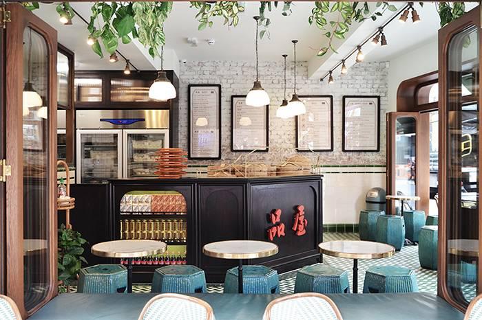 这是一家开在伦敦的港式茶餐厅 像极了王家卫电影中的场景