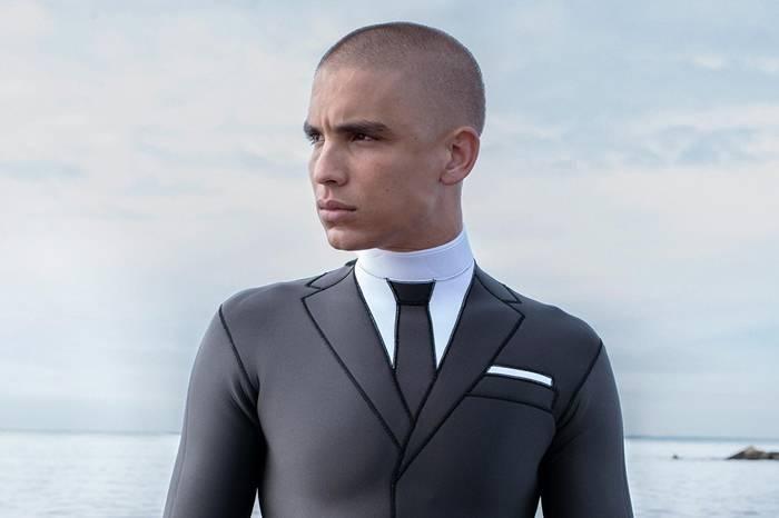 穿上它可以优雅的冲浪 Thom Browne 推出绅士风格冲浪服