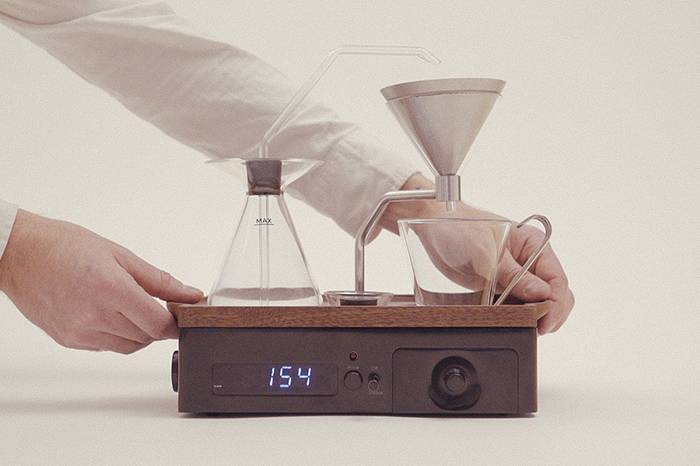 这款智能闹钟咖啡机 让你一睁眼就可以喝到最香醇的咖啡