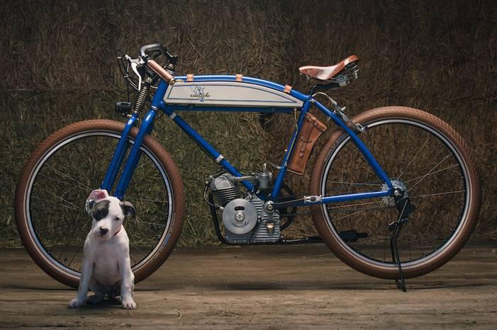 它是大男孩们眼中的梦想坐骑,重塑上世纪50年代的复古机车设计