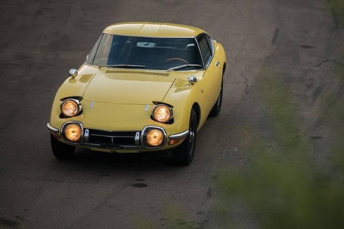 苏富比拍卖1967年TOYOTA 2000GT复古跑车,整体设计接近梦幻效果