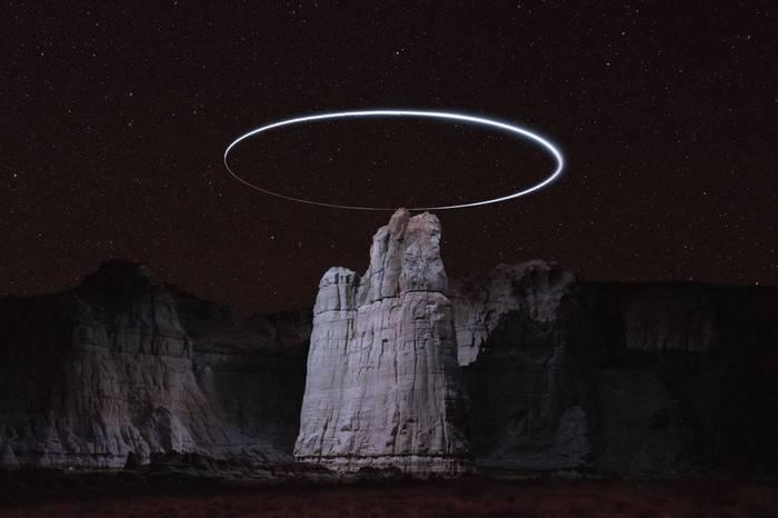 芝加哥华裔艺术家打造史诗级摄影作品《Lux Noctis》,犹如天外来物