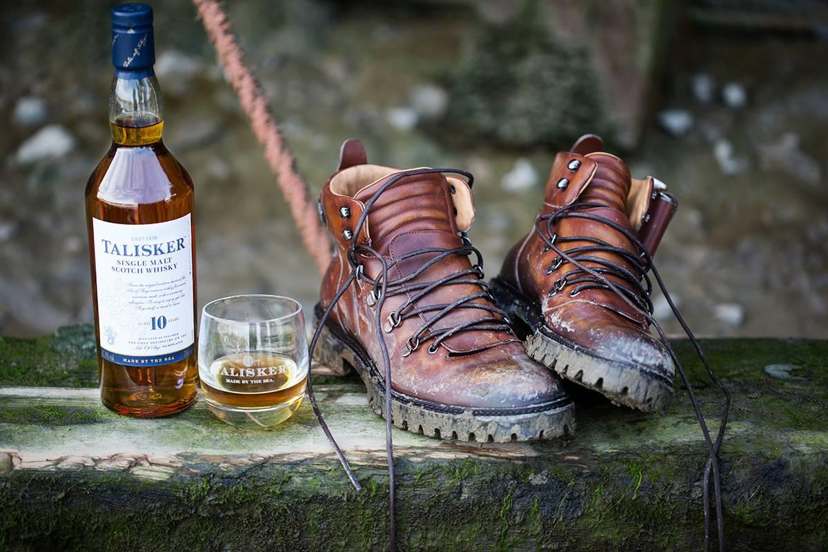这款英国顶级手工皮靴,只为冒险家和威士忌爱好者而生
