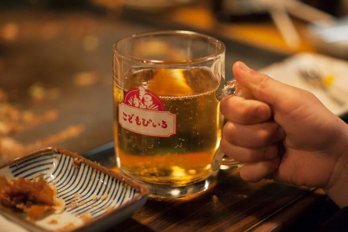 日本公司全新推出儿童啤酒 ,让孩子们不再拿着智能手机独自玩耍