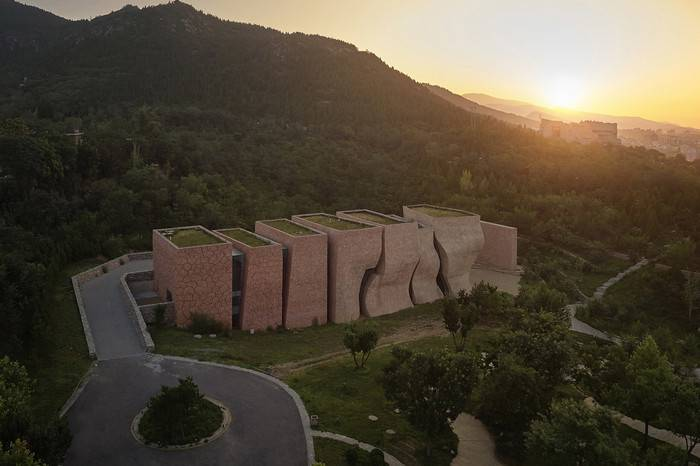 天津蓟县于庆成美术馆,一座永恒流动的当代美学建筑