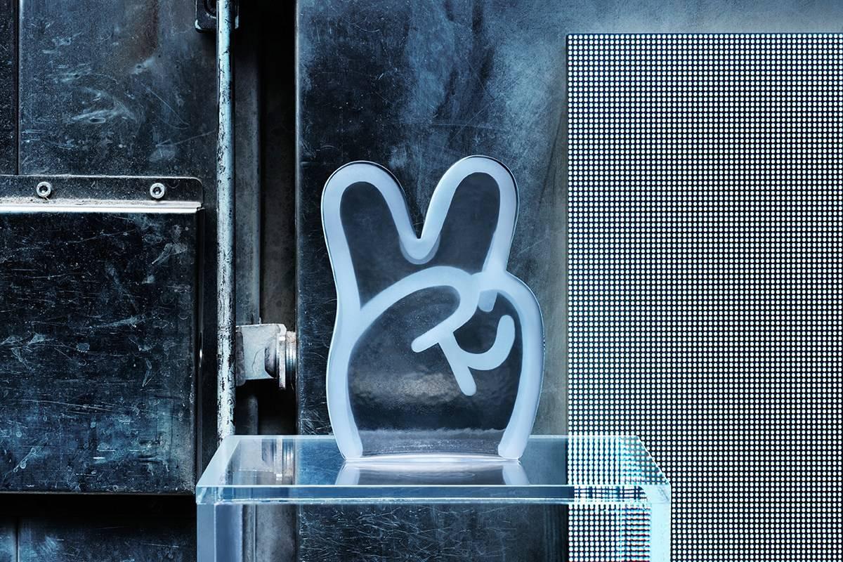宜家找来了8位顶级艺术家 创造了全新的玻璃摆件系列