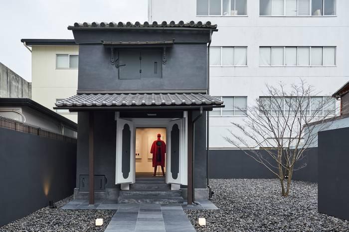 三宅一生联手深泽直人打造全新时尚店铺,让132年日本老宅容光焕发
