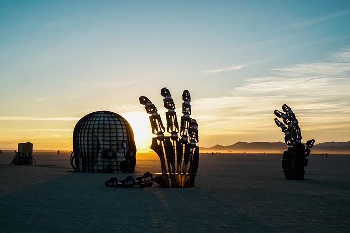 体验 | 经纬低调大事 来沙漠参加全年最强劲的科技论坛CHUANG大会