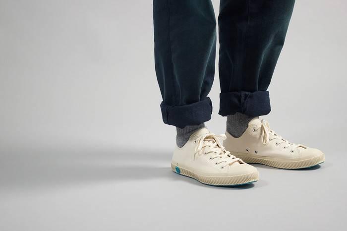 据说小白鞋已经烂大街了吗?看完这篇文章让你永远不再撞鞋