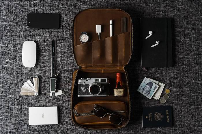 这款复古植鞣收纳包,将旅行物品整理在方寸之间