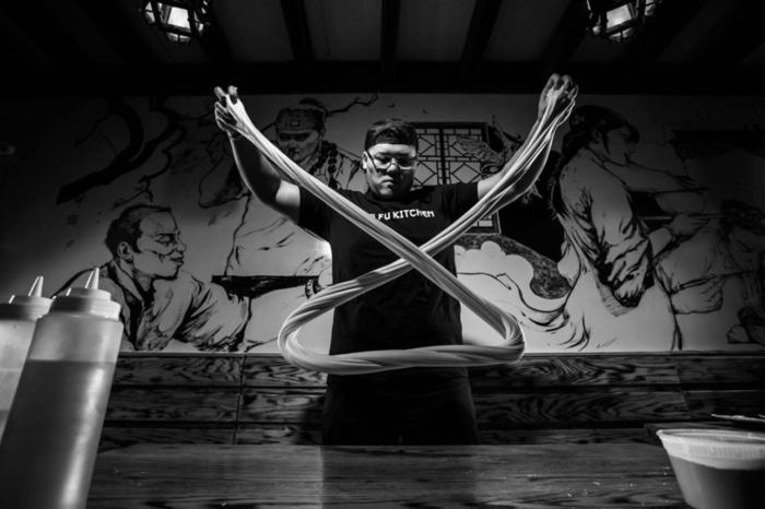 当中式拉面遇到日本荞麦面大师,深度揭秘手工拉面的唯美艺术
