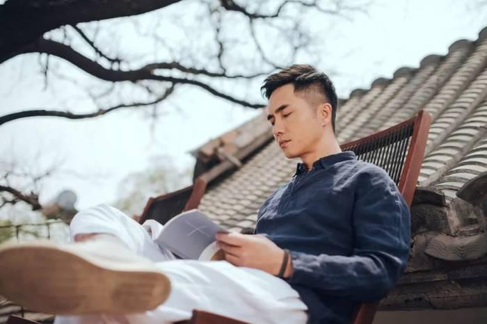 在青山周平打造的最美胡同民宿中,对话顶级包装设计师潘虎