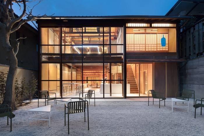 蓝瓶子重塑百年日式老宅现代荣光,开设全新京都咖啡店