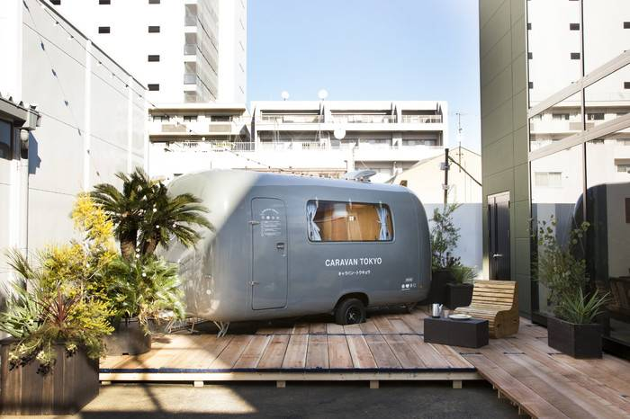 东京复古巴士精品民宿,体验不一样的艺术融合空间