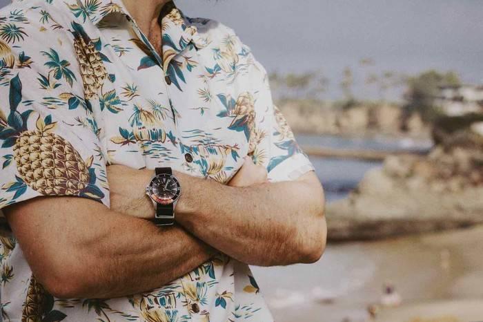 穿上夏威夷衬衫是对夏天的一种尊敬