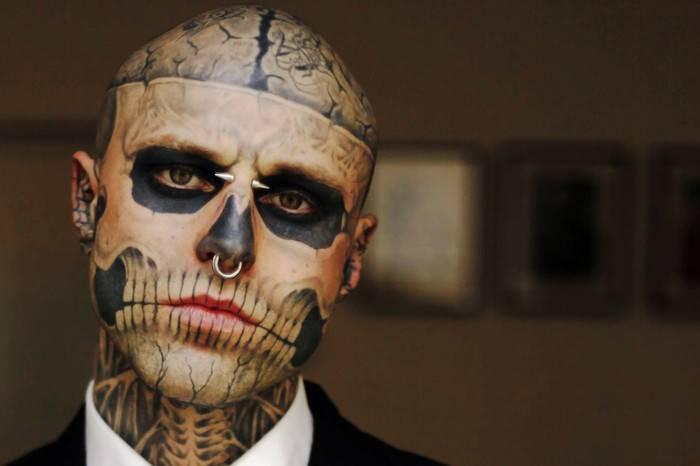 """32岁男模""""僵尸男孩""""在家自杀身亡,他将独立的美学思考带进了天堂"""