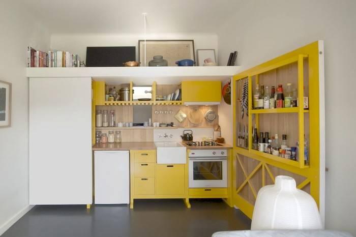 一个人一条狗一间24平米的卧室,他用设计将家具全部隐藏