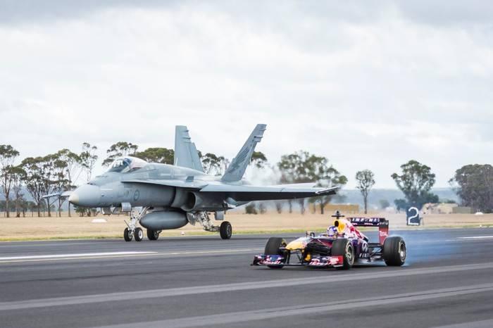 F1赛车 vs F/A-18大黄蜂战斗机,燃爆你的肾上腺素