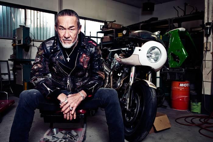 他是全球最酷的牧师大爷, 全身刺青骑重机车为黑帮传播和平与爱