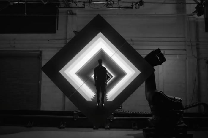 一个盒子的自我艺术修养,创造未来戏剧舞台的全新表演形式
