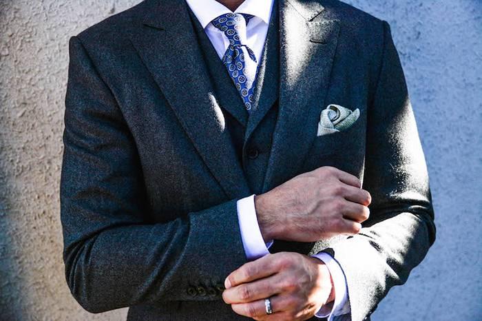 西装搭配中衬衫袖和西装袖各要多长?