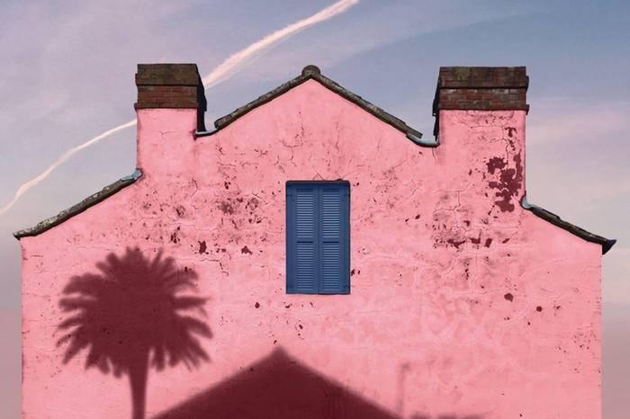 这位法国摄影师把家乡拍成了梦中的粉色,重拾童年浪漫午后回忆