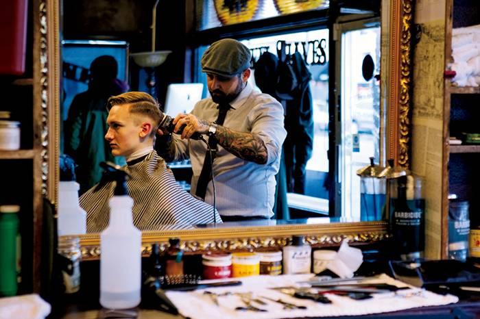 Blind Barber shop打造了男士理发、剃须不可忽视的仪式感
