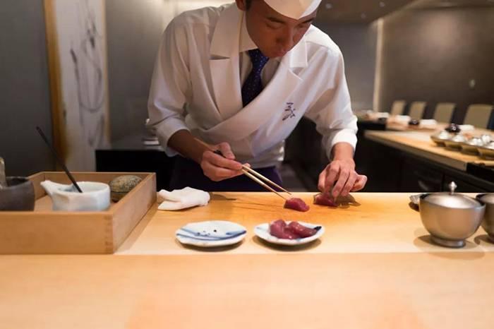 在日本东京吃寿司,究竟是怎样的一场味蕾享受?