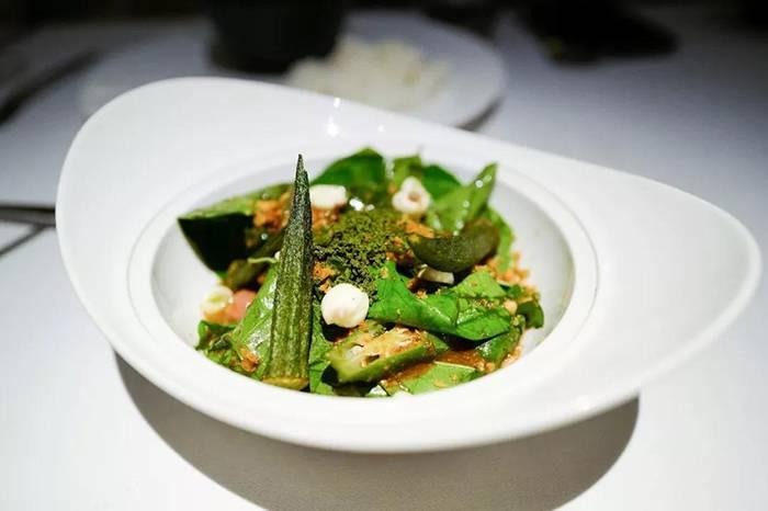 米其林一星的泰国菜,到底比路边摊高级多少?