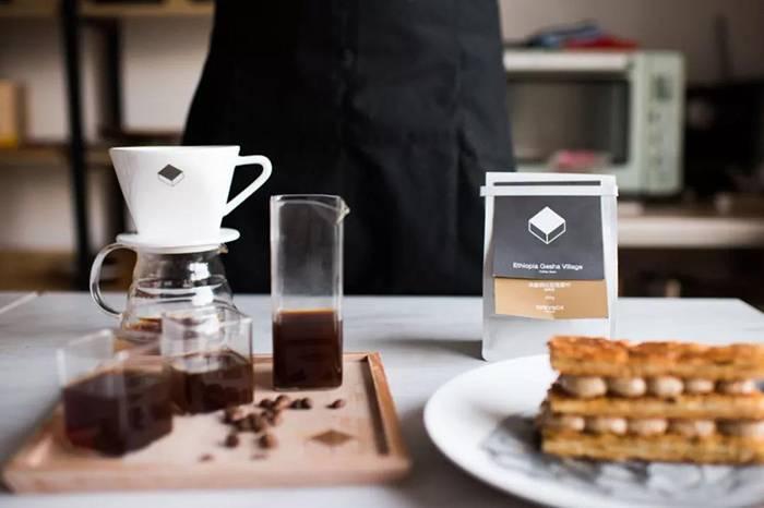 如果每天只喝一杯,你愿意把奶茶换成咖啡吗?