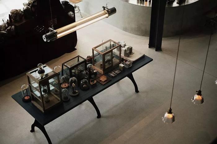 杭州银盐SPACE:一个集合复古好物、咖啡、展览的艺术空间