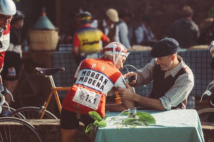 意大利举办了一场女子古典骑行活动 鼓励更多女性参与骑行