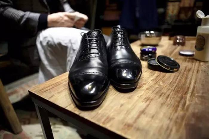 怎样在家做一次完整的皮鞋护理