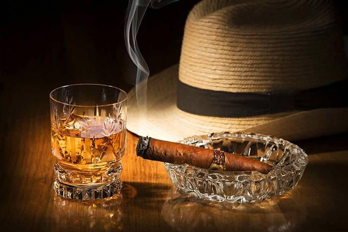 虽不喝烈酒,但男士应该懂的八大烈酒图鉴