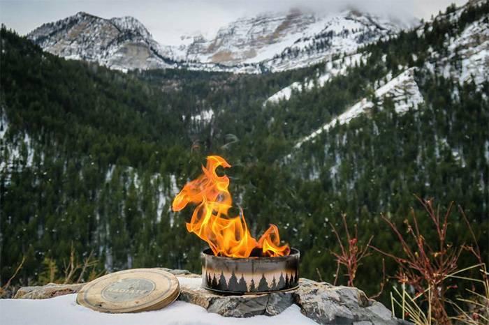 被雨淋湿还能一点即燃,这个罐装便携式营火有点厉害!