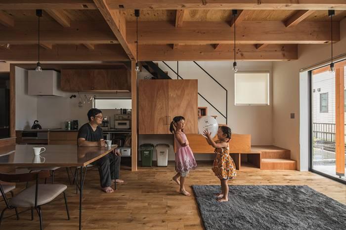 五个温馨而又充满设计感的家,实木装点了朴素的华丽