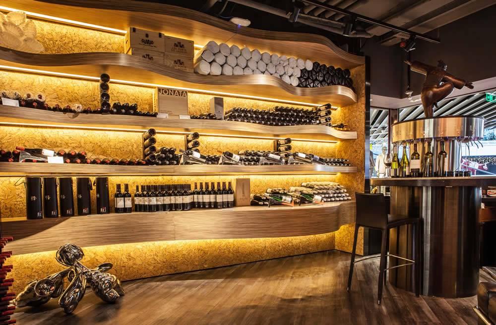 侨福芳草地誉红酒窖 顶级名庄珍稀佳酿葡萄酒等你品鉴
