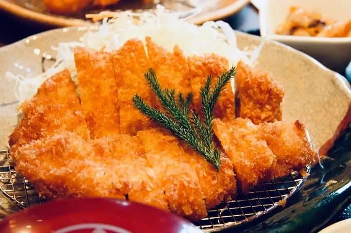 我冒着被咸到脱水的风险,吃出了一份名古屋美食地图