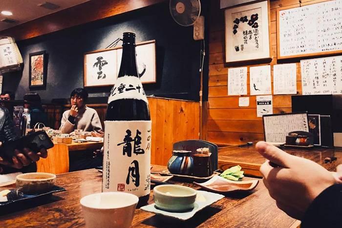 东京最著名居酒屋:想喝到顶级清酒,就得来这儿
