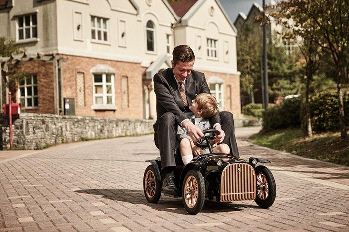 D.THRONE:一辆纯手工打造的复古英伦风亲子骑行电动车